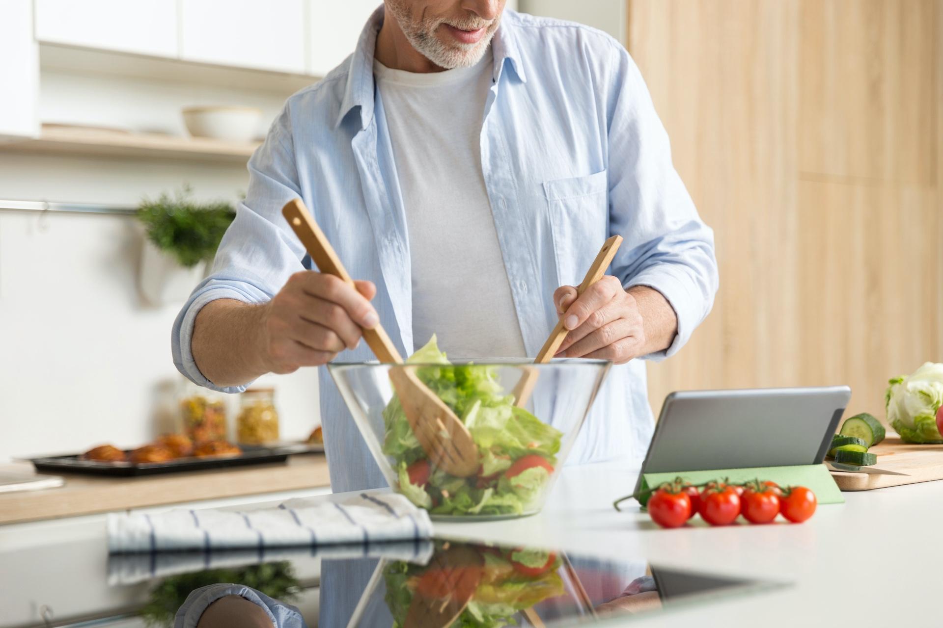 Pētījums: 41% Latvijas iedzīvotāju pandēmijas iespaidā ir mainījis savus ikdienas ēšanas paradumus un 59% dod priekšroku tieši vietējās izcelsmes produktiem